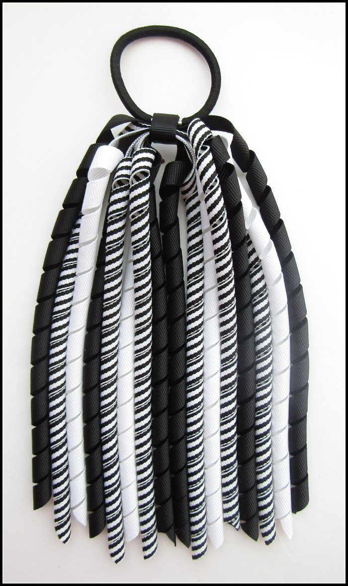 Black Stripe Korker Streamer