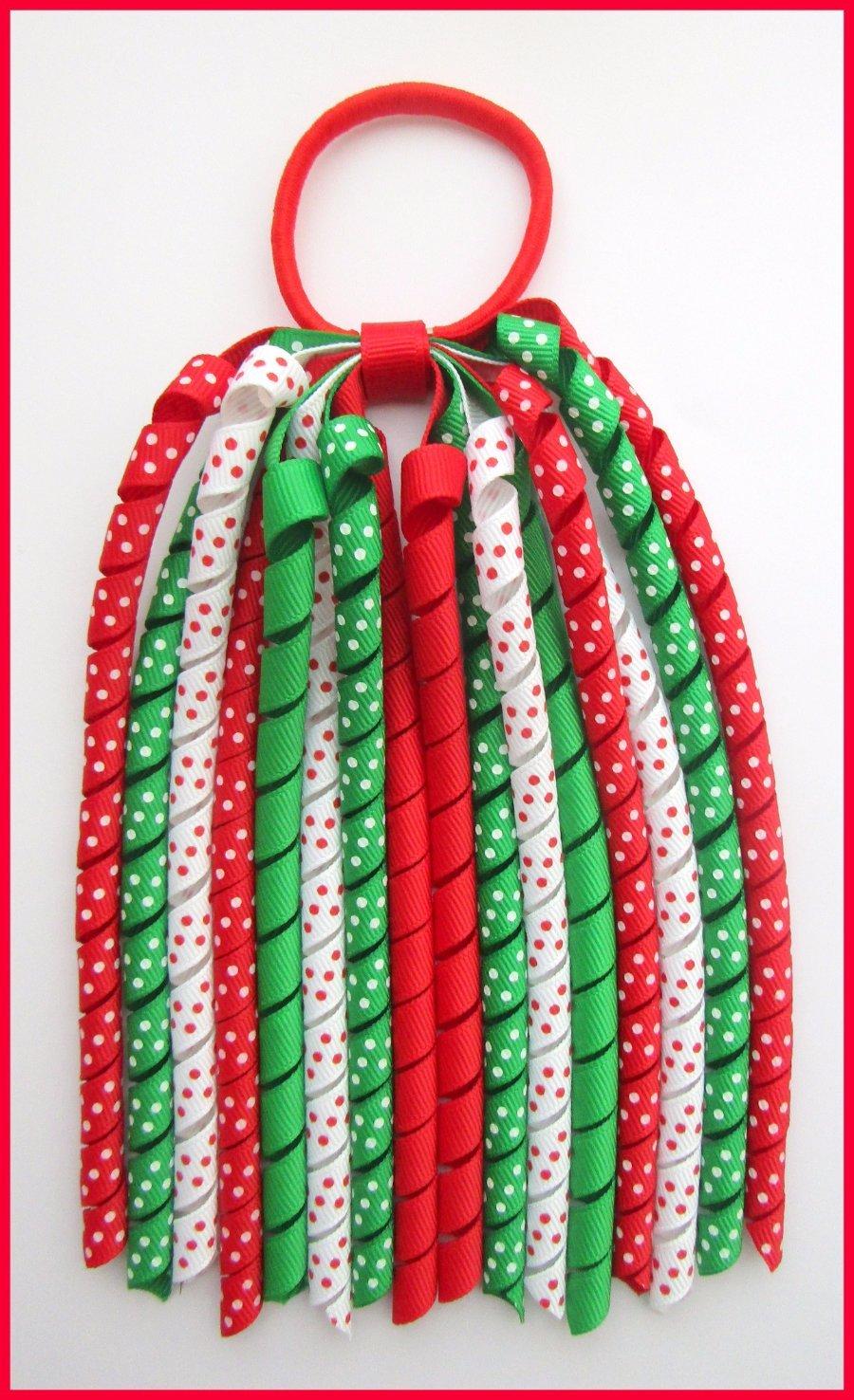 Red Emerald Green White Polka Dot Korker Streamer
